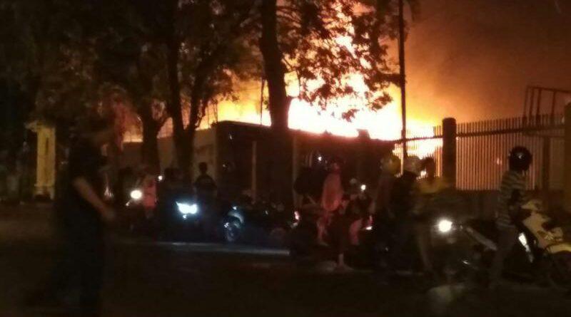 Pabrik Kerupuk di Jalan Hasanuddin Pasuruan Terbakar
