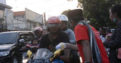 Berbagi Keberkahan, Kabarpas Gelar Bukber dan Bagikan Ratusan Takjil ke Pengguna Jalan
