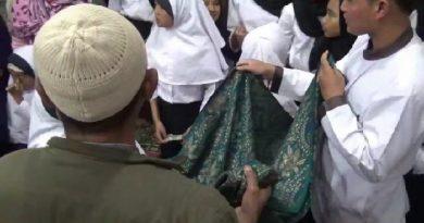 Melihat Tradisi Sorban Keliling, Simbol Kebersamaan dan Kerukunan Beragama Suku Tengger Bromo
