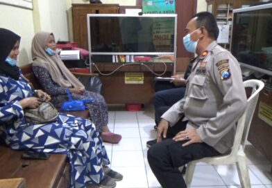 Pelaku Gendam Menyaru Staff Kecamatan, Gasak Uang dan HP di Toko Pakaian