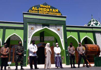 Resmikan Masjid AL Hidayah Kodim 0820 dengan Prokes Ketat, Ini Pesan Ketua Komisi IV DPR – RI